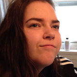 Rach from Surrey | Woman | 22 years old | Capricorn
