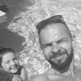 Chris from Six-Fours-les-Plages | Man | 37 years old | Cancer
