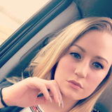 Julie from Springfield | Woman | 23 years old | Capricorn