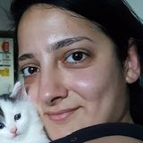 Farah from Gresham | Woman | 30 years old | Aries