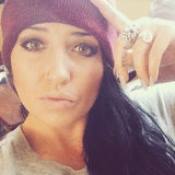 Kenz from Carbondale | Woman | 28 years old | Cancer