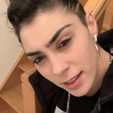 Rutvan from Champigny-sur-Marne | Woman | 27 years old | Capricorn