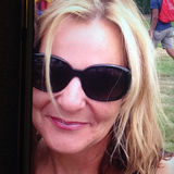 Elle from Bellevue | Woman | 45 years old | Capricorn