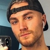 Michael from New York City | Man | 23 years old | Cancer