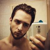 Mika from Dunkerque | Man | 37 years old | Sagittarius