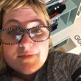Halleberry from Oshkosh | Woman | 35 years old | Capricorn
