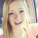Hannah from Overland Park | Woman | 24 years old | Taurus