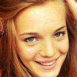 Louise from Marcq-en-Baroeul | Woman | 25 years old | Capricorn