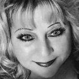 Lynn from Canton   Woman   51 years old   Scorpio