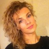 Estelle from Mantes-la-Jolie | Woman | 28 years old | Aquarius