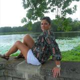 Simone from Anderson | Woman | 48 years old | Gemini